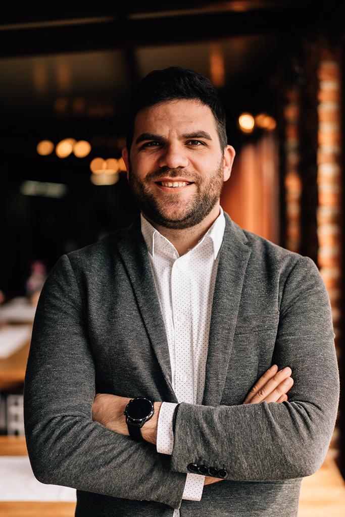 Antonio Tomljanović – Voditelj prodaje odjela konoba i marende, interni marketing